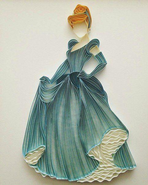 Femme longue robe bleue, quilling