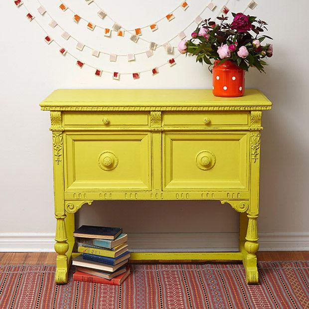 Yellow is my favourite colour.  How gorgeous is Annie Sloan's English Yellow.  It will instantly modernise and brighten up any furniture.