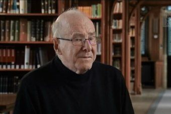 Clive James reflects on career, poetry and death in interview with Kerry O'Brien