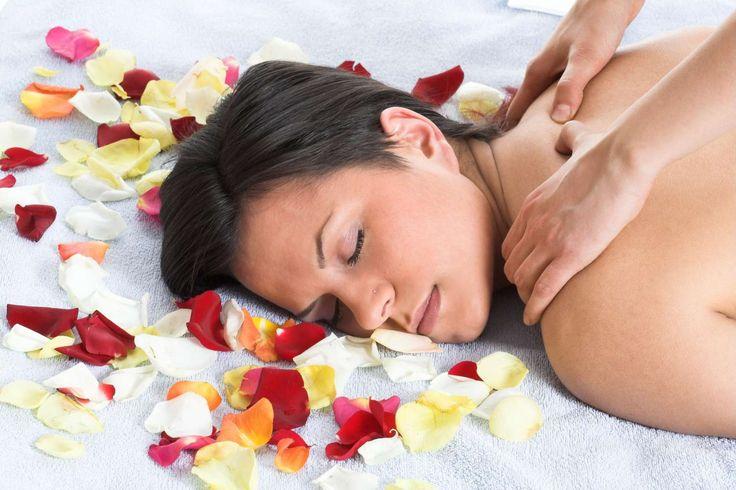 Male 2 Female Back Massage in delhi
