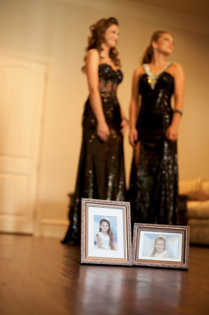 Prom Pictures, getting ready, Senior www.Lisa-Marie-Photography.com