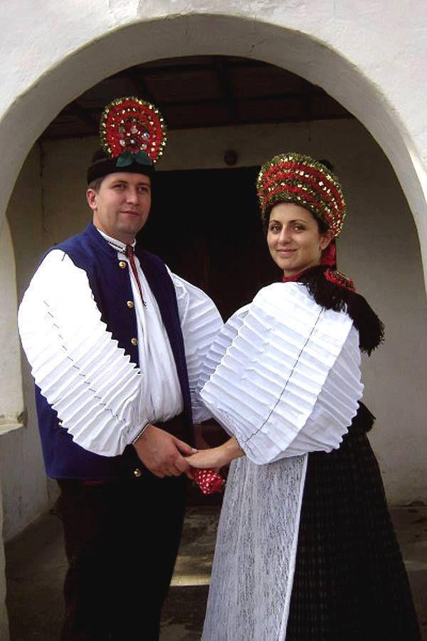 Folk dresses of Szék, region of Transsylvania, today belongs to Romania. - SZÉKI viselet