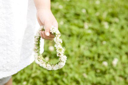 子ども心を想い出すピクニック花かんむりの作り方って憶えてる