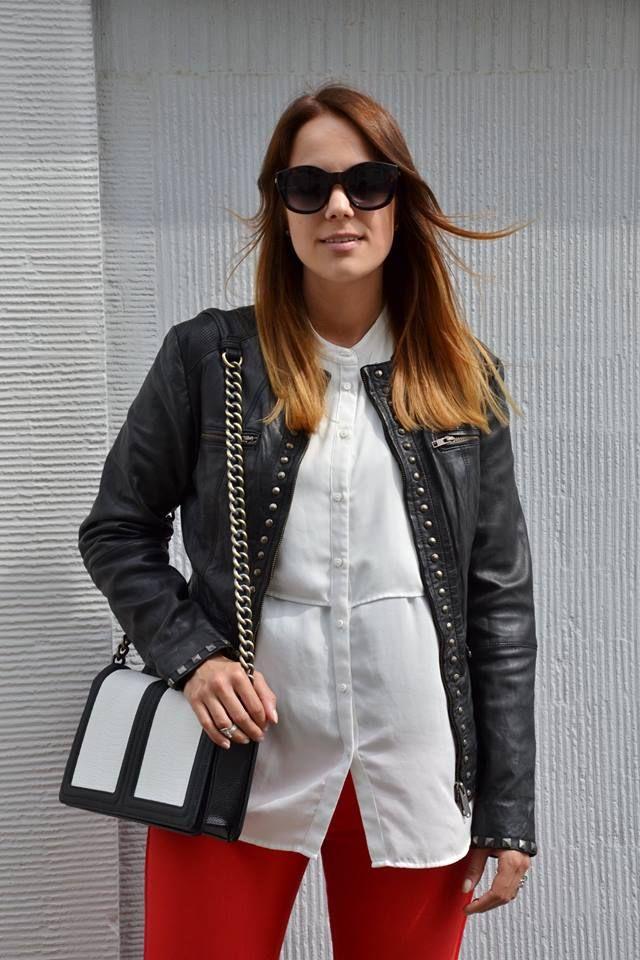 #giubbottopelle giacca donna con #borchiette