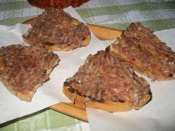 bruschetta alla salsiccia di fegato-abruzzo
