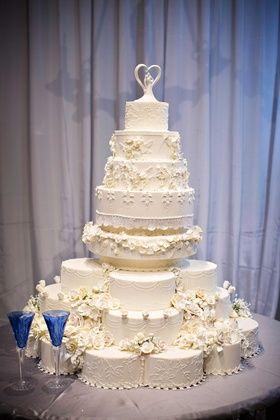 Royal Wedding Cake Replica Photography: Kevin Beasley Photographer Read More: http://www.insideweddings.com/weddings/opulent-wedding-with-gatsby-inspired-theme-at-louisiana-plantation/747/