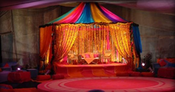 Mehndi Decorations Ideas: Stage, Flowers & Hall