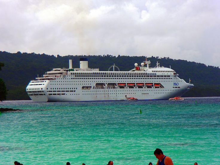 P&O Pacific Jewel at Champagne Bay. Vanuatu.