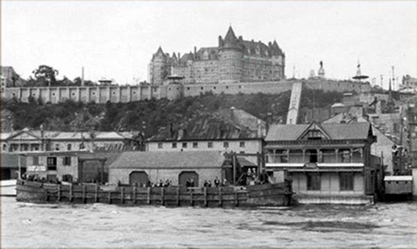Les quais de Québec.