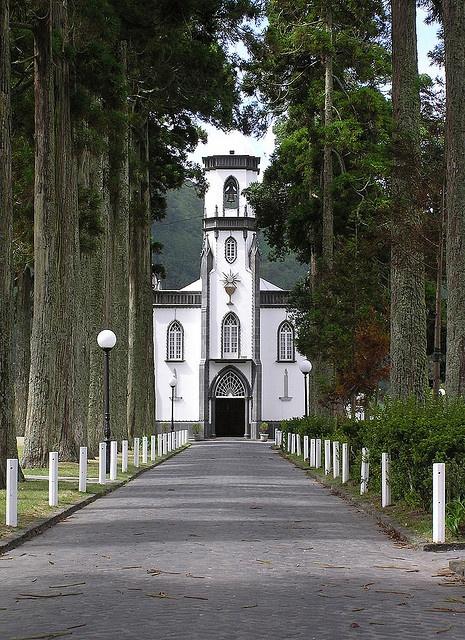Church at Sete Cidades (Igreja São Nicolau) - São Miguel - Azores by malcolm bull, via Flickr