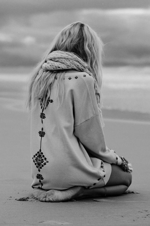 beach Style: At The Beaches, Knits Scarves, The Ocean, Dresses, Over Sweaters, Hippie Boho, Beaches Girls, Cozy Sweaters, Beaches Style