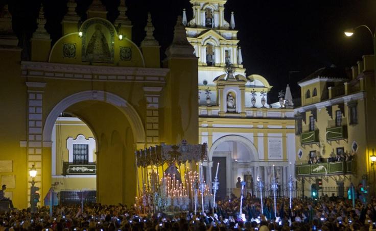La Macarena, Madrugá. Semana Santa Sevilla 2012.