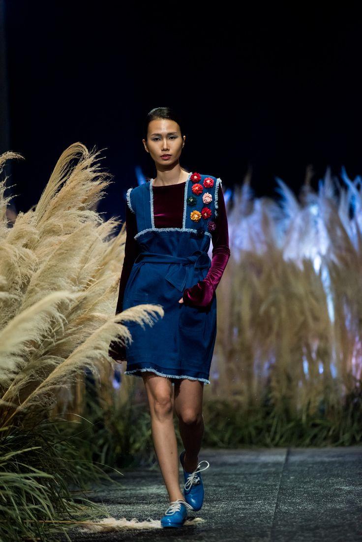 Vietnam Fashion Week FW17 - Ready To Wear.        Designer: Hien Dang  Photo: Le Chi Linh
