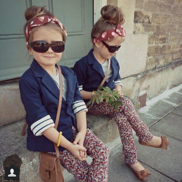 Ouh beautiful twin girls :3