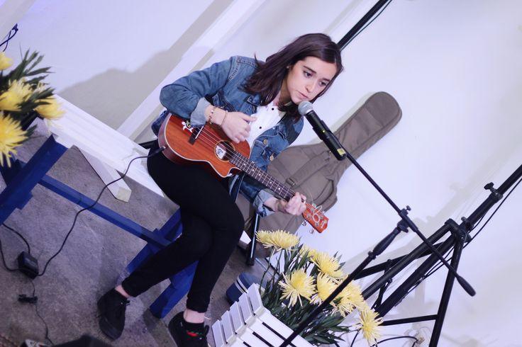 Nuestra Amiga Keds Malú Mora presentó sus canciones en el evento.