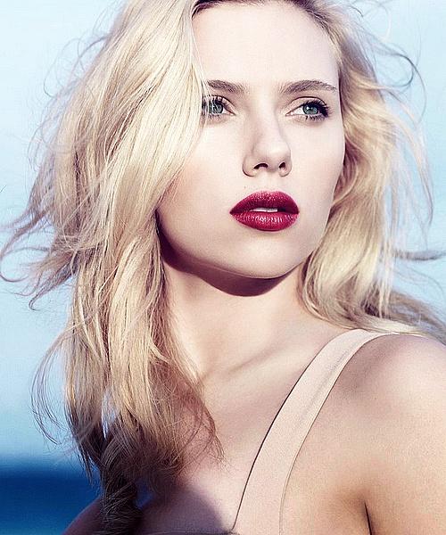 Scarlett Johansson. Photo: Craig McDean for Vogue (April 2007 issue).