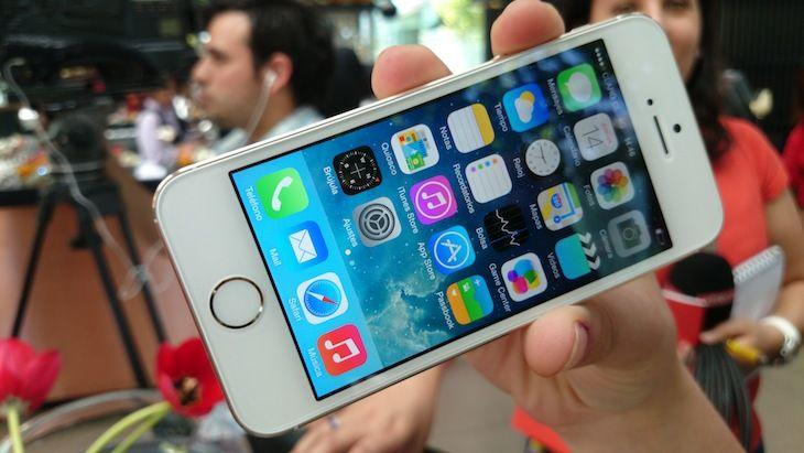 Los nuevos smartphones de Apple, el iPhone 5s y iPhone 5C ya llegaron a Chile. Conoce todas sus especificaciones.