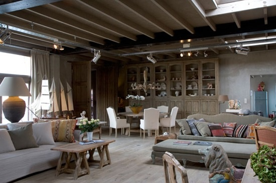 The other side of the room of the fabulous belgian seaside loft... Awesome!