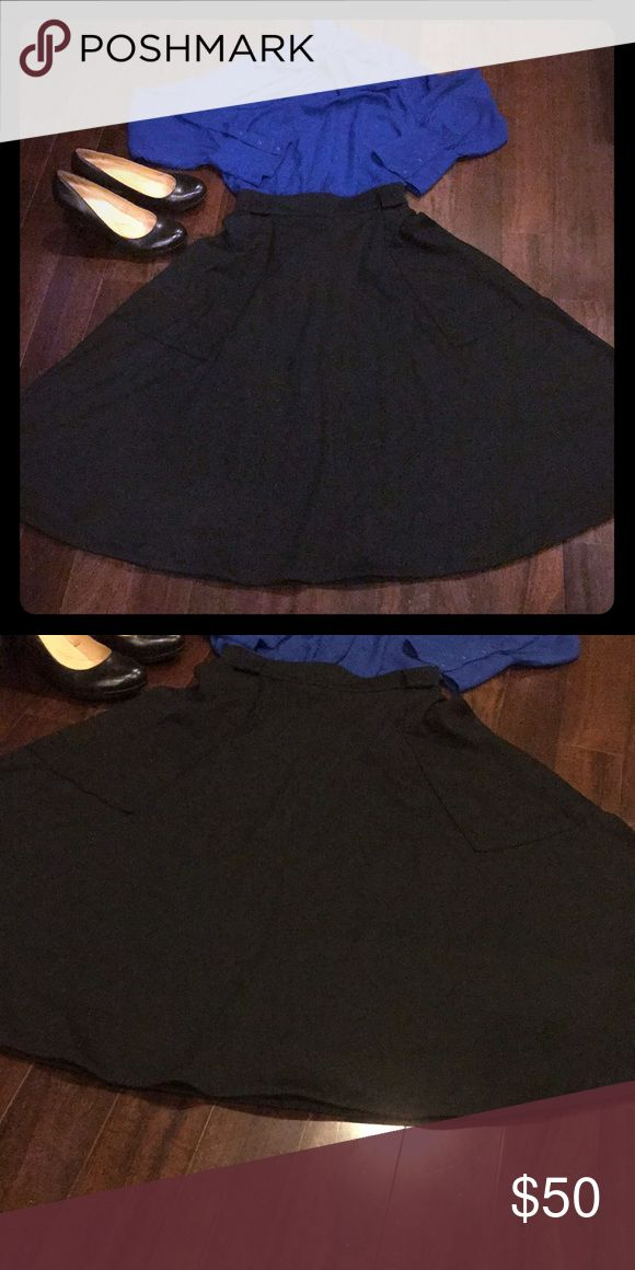 Banana Republic Military Skirt Black size 14 Gorgeous military style skirt with pockets. Comes with a belt. Excellent condition. Banana Republic Skirts Circle & Skater
