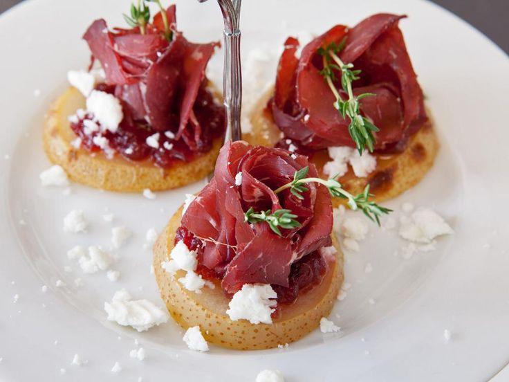 Schnell gemacht: Diese Canapées machen sich perfekt als edles Fingerfood oder als Apéritif.
