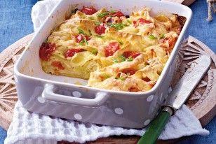 Nudelauflauf mit Mozzarella und Tomaten