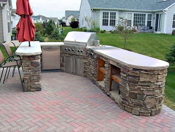 deck with built in bbq