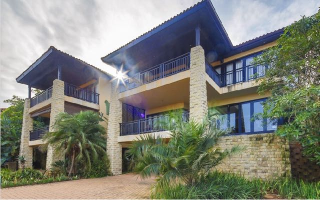 Phezulu Villa No 6 in Zimbali Coastal Resort (Sleeps 8). This chic and expansive 4 bedroom apartment has been furnished with both attention to detail and stylish comfort in mind. Set on three levels it offers a double garage with golf cart parking on the lowest level. #Where2Stay