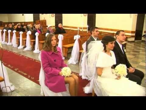 Ksiądz w kościele śpiewa Wielka miłość - YouTube