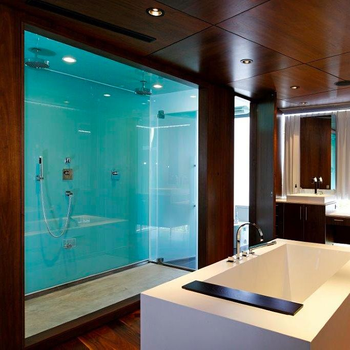 Dual Shower And Bathtub In The Master Bathroom Of This 14900000 Modern Estate La Jolla
