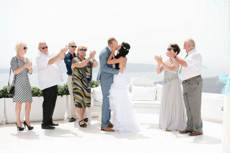 Wedding party in Santorini    Photographer Teodora Simon