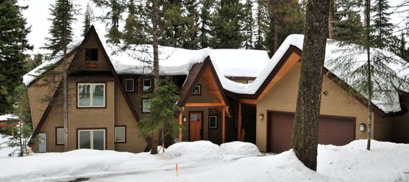 Addition to an a frame cabin dream home pinterest for Log cabin additions ideas