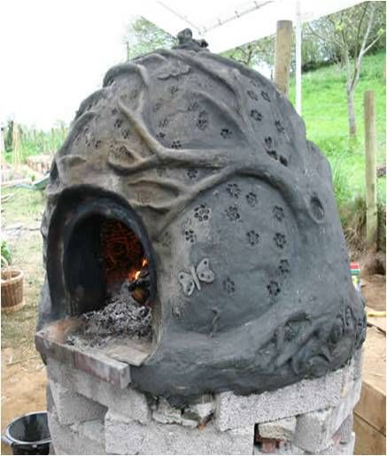 Bread Oven, this is the one I want to build! Loving the tree!