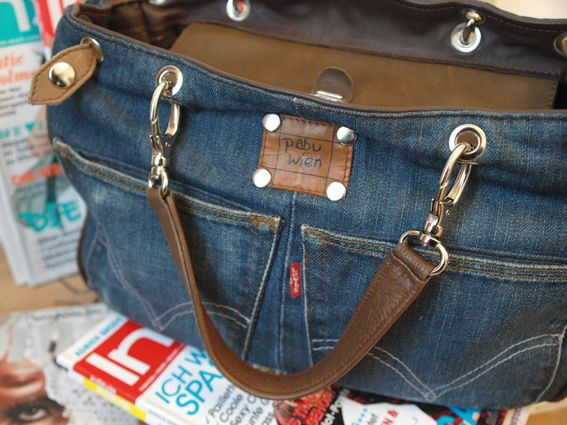 Jeans Taschen What fantastic denim blue jeans bags to choose from!