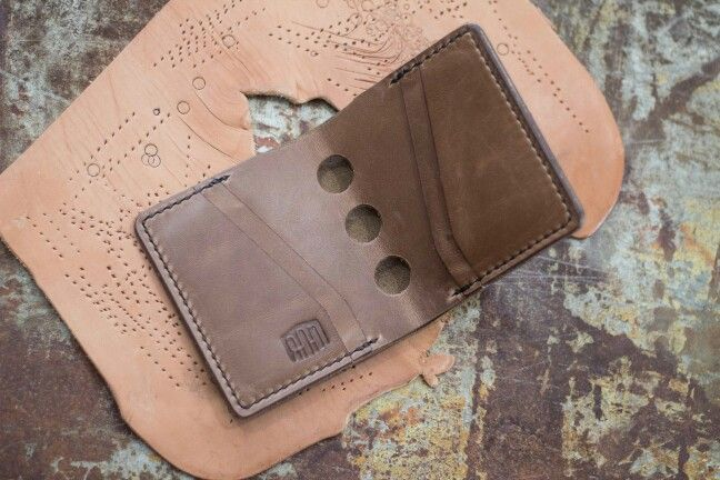 """The Jamestown"" wallet, full Chromexcel with Speed-holes added."