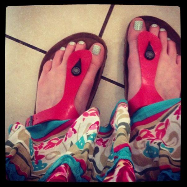 https://mrsott.jamberrnails.net #jamberry #MintGreenChevronJN #chevron #pedicure #nails