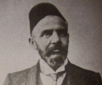 """Emmanuel Carasso o Emanuel Karasu (1862 en Salónica - 1934 en Trieste) fue un abogado y un miembro prominente de la sefardí judía familia Carasso del otomano Salónica (ahora Salónica, Grecia). Él era un miembro prominente de los Jóvenes Turcos . El nombre también se escribe Karaso, Karassu, y Karasso. La forma Karasu es un turquificación de su nombre, que significa literalmente """"agua negro '.  Karasu fue miembro (algunas fuentes dicen fundador) y más tarde presidente de la casa de campo de…"""