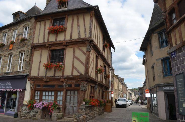 #maison #LapinsCrétins #Malestroit #Morbihan #Bretagne #boutique   Crédit photo : Les Infos du Pays Gallo