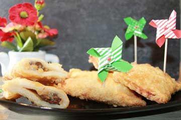 Oggi proponiamo un dolce particolare: la ricetta saccottini dolci con gorgonzola melone e uvetta per una merenda o un dessert adatta a tutta la famiglia.