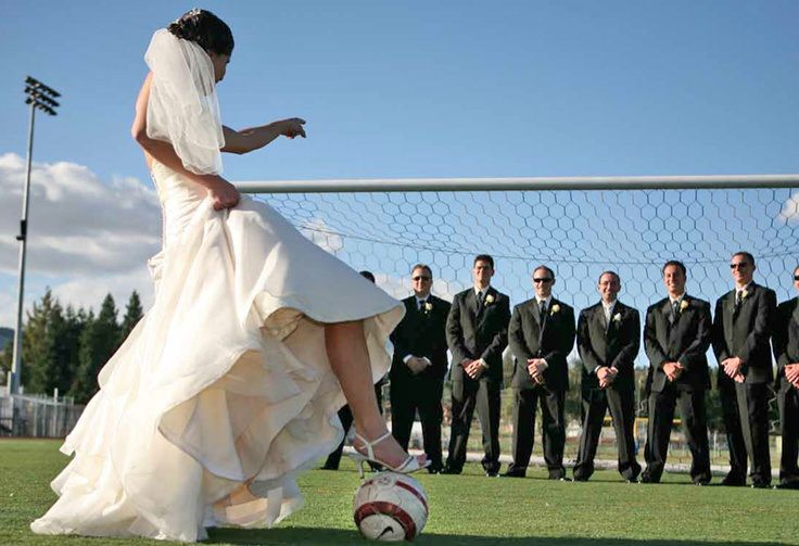 Soccer themed wedding - wedding photo- fun with the groomsmen- be different -