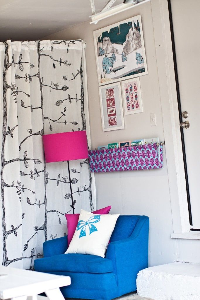17 best ideas about fabric bookshelf on pinterest for Home office playroom design ideas