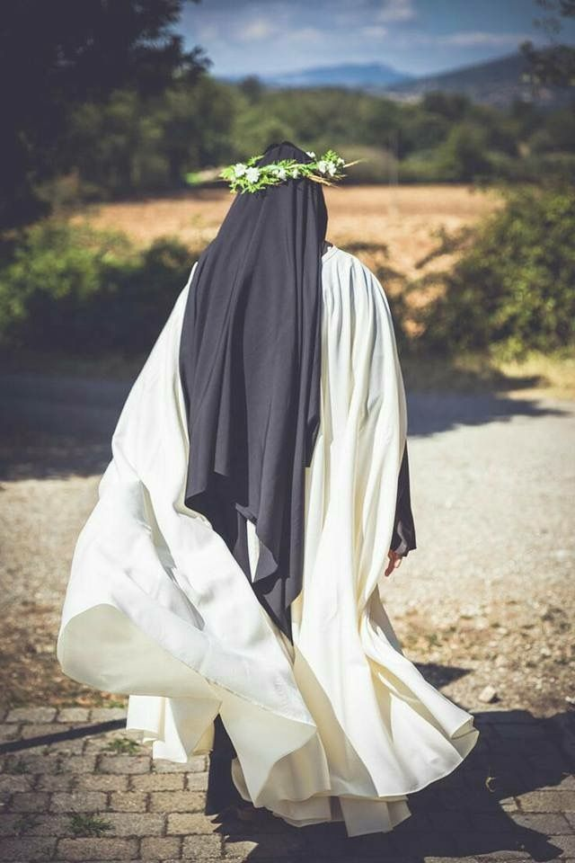 Muslimah Siluet : muslimah, siluet, Maryam, Cania, Muslimah, Katolik,, Siluet,, Wanita