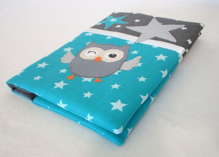 """Protège carnet de santé en tissu étoilé bleu et tissu étoilé gris avec un appliqué """"chouette"""" : Puériculture par au-fil-de-syl"""