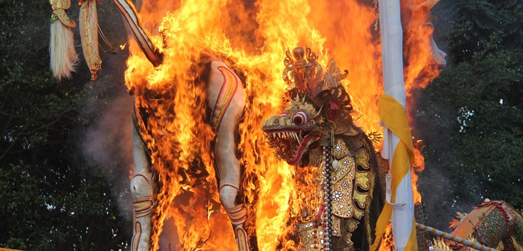 The highest honor ever given by people to their leader was shown in this resplendent rituals cremation of Pelebon for the Raja of Peliatan, Bali