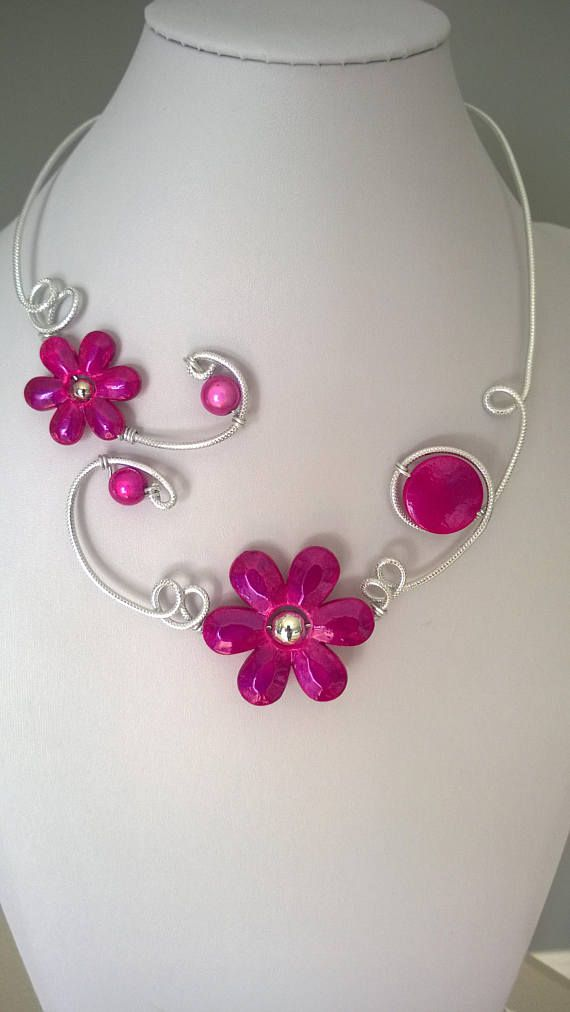 Open collar necklace  Wedding jewelry Flower necklace Prom