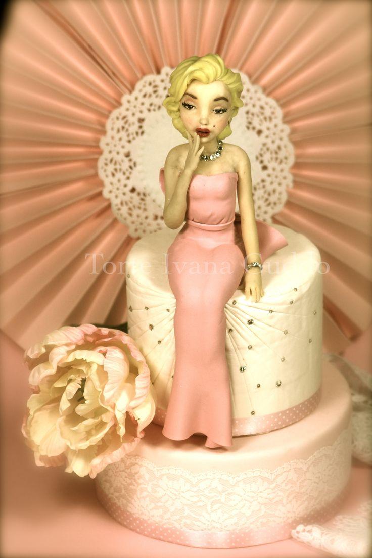 """MARILYN MONROE "" CAKE https://www.facebook.com/pages/Torte-di-Ivana-Guddo/317176505051760"