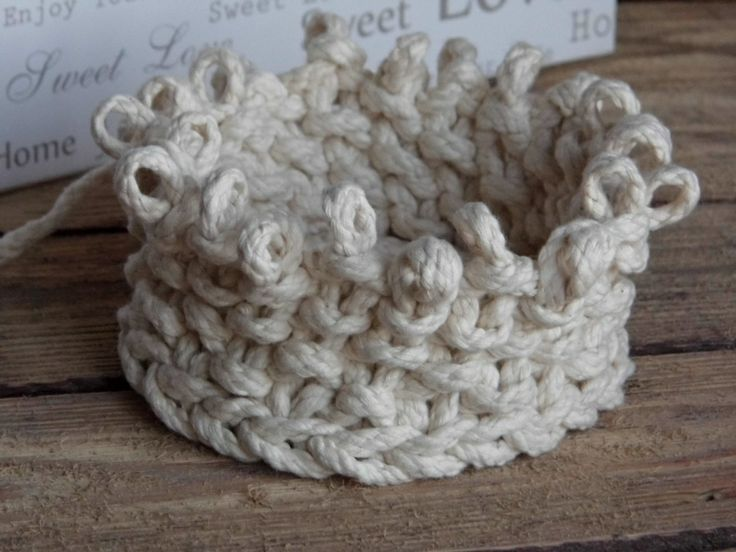 Knit baskets from ELITAI.etsy.com