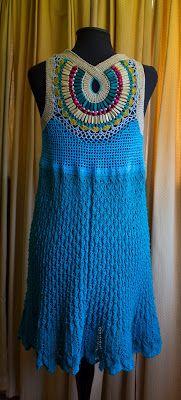 Cuando pensé este tejido, quería algo bien folk, muchos colores y bien latinoamericanos, así quedó, efectivamente, al final. Me gustó,...