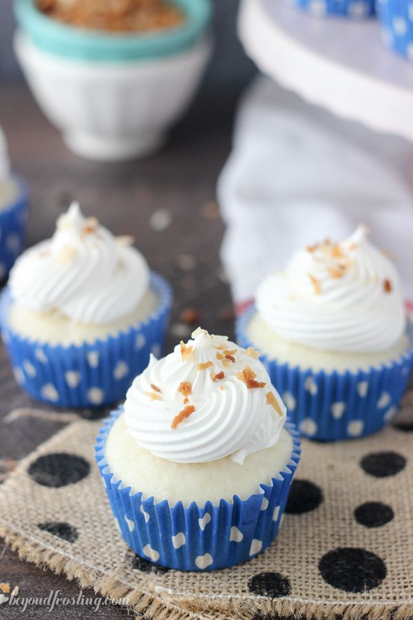 These Skinny Coconut Cream Pie Cupcakes are full of flavor without all ...