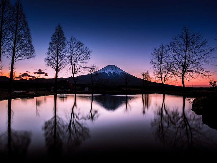 Picture of Mount Fuji at sunrise seen from Asagiri Kogen