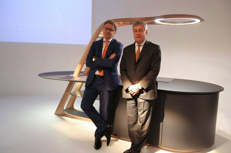 """#Designer Paolo #Pininfarina and our President #EdiSnaidero during the presentation of the new #kitchen """"Aria"""" at #Eurocucina #Isaloni 2016."""